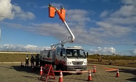 Segunda turma de Linha Viva ba Bahia faz teste no mais nova aquisição da SIRTEC. Um caminhão de LV novo para operação Bahia (2)